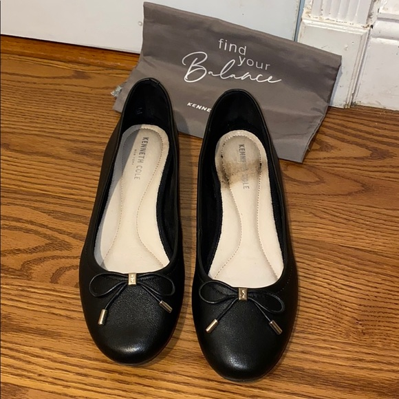 Kenneth Cole Ballet Flats